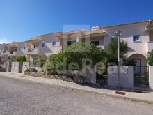 Villa with 3 bedrooms for sale in Ferreiras in Albufeira with an area of 198m2 of recent construction.
