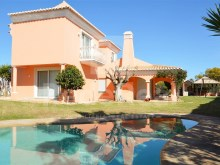 Villa with 4 bedrooms for sale in Algarve