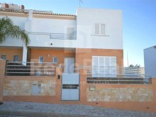 Villa of contemporary architecture into a new residential and calm for sale in Vale de Pedras, Albufeira