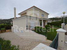 For sale plot of land with 1025m2 near the marina of albufeira with sea view.