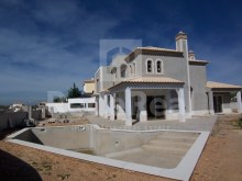 Excellent single family house under construction, located in a quiet area for sale in Guia, Albufeira area