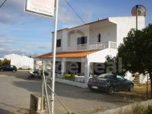 Snack Bar with two bedrooms and spacious areas for sale in Patã, Albufeira
