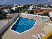 Apartment for sale in gated community with pool in Montechoro, Albufeira.