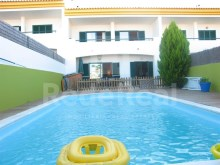 Great House for sale with 3 bedrooms, swimming pool and near the beach in Brejos, Albufeira.