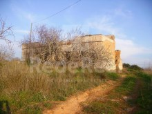 With 11,000 m2 plot with ruin for sale in Ferreiras, Albufeira