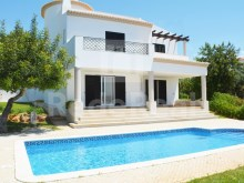 Detached villa with three bedrooms for sale in Mouraria, Albufeira