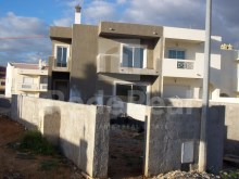 2 bedroom townhouse with 1 more bedroom under construction for sale in Montechoro, Albufeira.