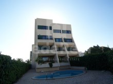 For sale-excellent apartment in private condominium, good areas and with two bedrooms in Salgados, Albufeira.