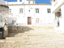 Building for reconstruction for sale in the Centre of Albufeira