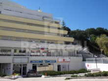 For sale-Office with an area of 88 m2 on the 1st floor in the building located in the downtown area of albufeira