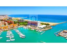 Excellent apartment with 3 bedrooms in high prestige in Marina Plaza for sale in Vilamoura.