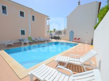 Apartment with two bedrooms and swimming pool for sale in Guia, Albufeira
