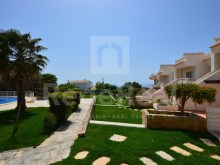 This magnificent house with 2 bedrooms, sea view