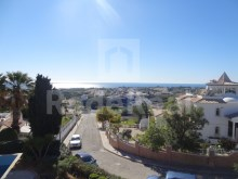 Villa for sale in Albufeira with pool and gardens, located in prime area, more specifically in the Cerro d Eagle.