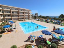 T1 with pool sea view and 1 minute walk from the beach