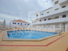 Apartment for sale in albufeira near the beach with pool
