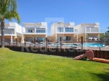 Villa for sale in Albufeira with panoramic sea views.