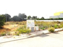 Plot of land  with 570m2 3 km from the beach of Armação de Pêra