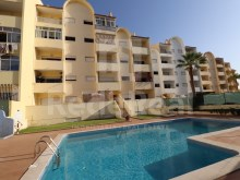 2 bedroom apartment with pool at 2 km from praia da Oura in Albufeira