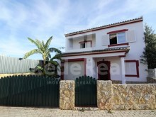 Villa with 3 bedrooms plus 2 Loulé near the Ikea