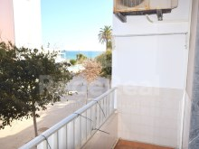 1 bedroom apartment for sale in the Centre of Armação de Pêra, overlooking the sea and close to the beach.