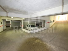 Garage for sale armaçao de Pera Center (4)%3/7
