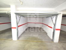 Garage for sale armaçao de Pera Center (6)%4/7