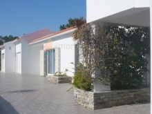 House › Sintra | 2 Bedrooms + 1 Interior Bedroom | 1WC
