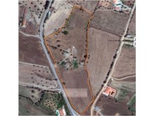 aerial view of the property within the yellow line%1/5