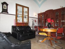 House 2 bedrooms with attachments in broad historical district of Olhão. | 2 Bedrooms | 1WC