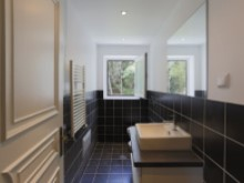 T8 Estoril Villa bathroom%21/21