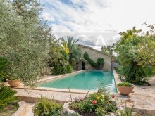 Swimming pool and guest house%39/47