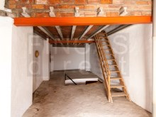 Second floor attic%19/28