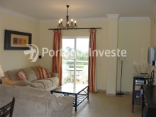 Apartment T2 for sale, good location, sea view at Albufeira - Living room%5/10