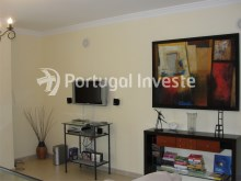 Apartment T2 for sale, good location, sea view at Albufeira - Living room%7/10