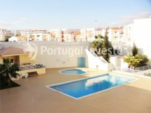 Two bedrooms apartment to sale, sea view, Albufeira, Algarve. Portugal Investe%1/10