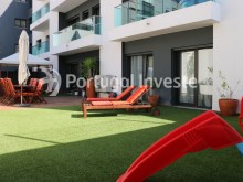 Fabulous and exclusive T2 apartment of 110 sqm, with terrace of 112 sqm and garage in luxury enterprise, in Almada - Portugal Investe%21/21
