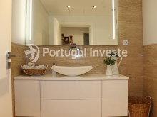 Fabulous and exclusive T2 apartment of 110 sqm, with terrace of 112 sqm and garage in luxury enterprise, in Almada - Portugal Investe%10/21