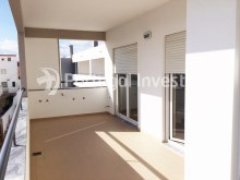 2 bedroom apartment, new, condo with pool and parking, in Albufeira, Algarve - Portugal Investe%8/9