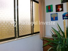 Closed balcony, Two bedrooms apartment, well preserved, 10 minutes away from Lisbon, Almada - Portugal Investe%3/12