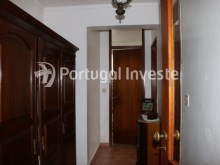 Hallway, Two bedrooms apartment, well preserved, 10 minutes away from Lisbon, Almada - Portugal Investe%8/12