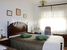 Bedroom 1, Two bedrooms apartment, well preserved, 10 minutes away from Lisbon, Almada - Portugal Investe%9/12