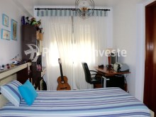 Bedroom 2, Two bedrooms apartment, well preserved, 10 minutes away from Lisbon, Almada - Portugal Investe%11/12