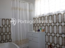 Bathroom, Two bedrooms apartment, well preserved, 10 minutes away from Lisbon, Almada - Portugal Investe%12/12