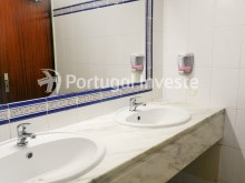 Bathroom, For sale villa+restaurant, Albufeira, Algarve - Portugal Investe%8/9