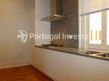 Fully equipped kitchen, For sale excellent 3 bedrooms apartment, Lisbon Center - Portugal Investe%8/29
