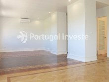 40 sq/m Living room, For sale excellent 3 bedrooms apartment, Lisbon Center - Portugal Investe%5/29