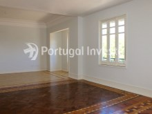 Living room, For sale excellent 3 bedrooms apartment, Lisbon Center - Portugal Investe%6/29