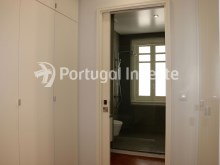 Master Suite Closet, For sale excellent 3 bedrooms apartment, Lisbon Center - Portugal Investe%19/29