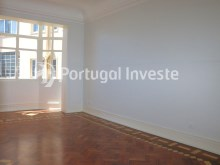 Master Suite, For sale excellent 3 bedrooms apartment, Lisbon Center - Portugal Investe%16/29